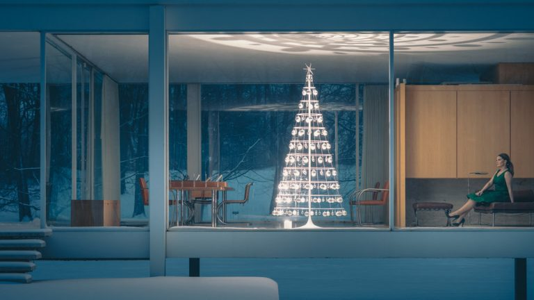 Why is the Modern Christmas Tree considered Mid-Century Modern Design?